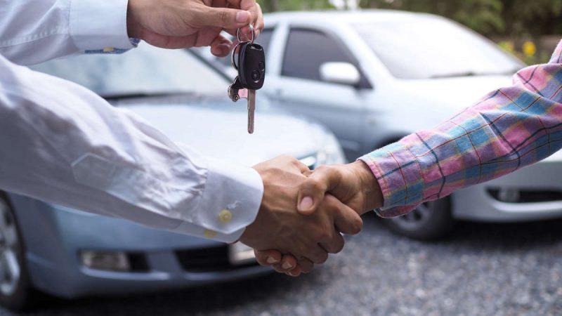Vendere auto usata: online o dal concessionario?
